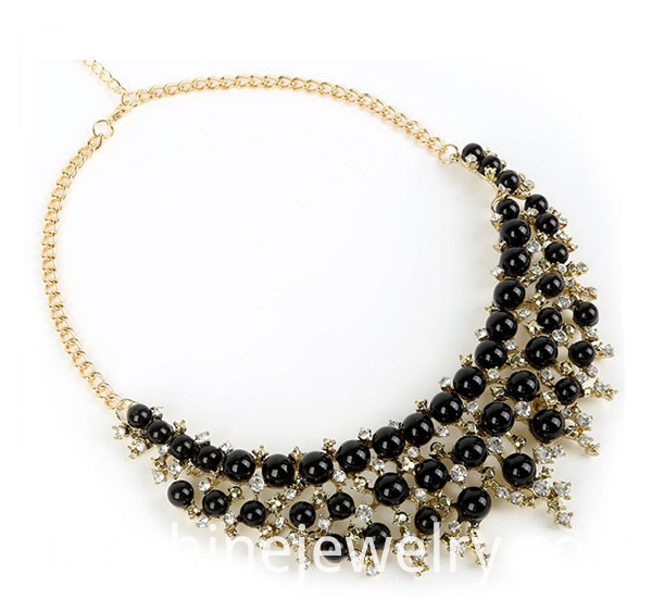 Black Pearl Collar Necklace