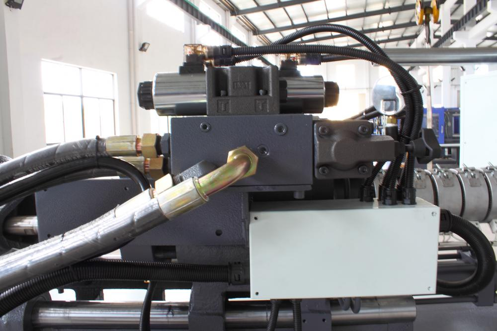 High Precision Plastic Injection Machine