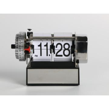 Small Size Alarm Desk Flip Clock for Wake-up