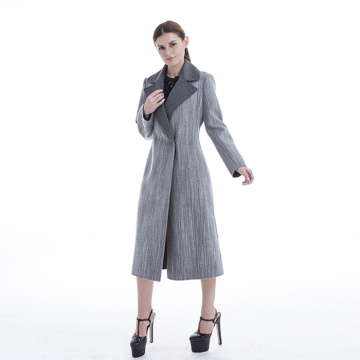 Fashionable grey cashmere winter coat