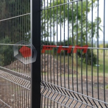 PVC Coated Galvanized Triangle Bending Welded Wire Fence