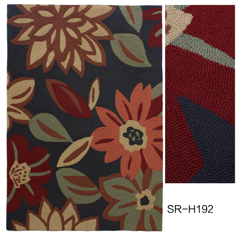 Polyester Hand Hooked Rug with Flower Design
