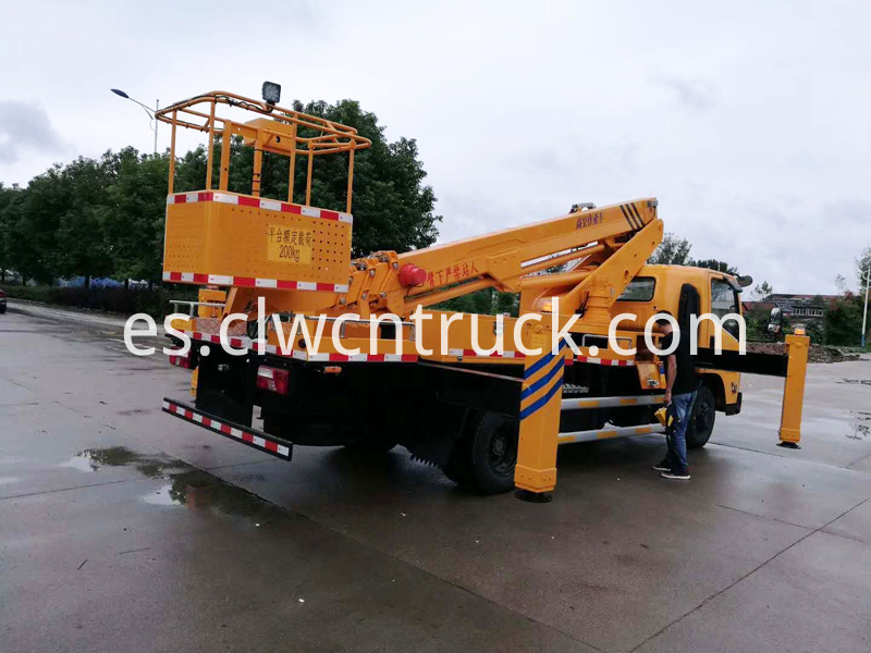 Aerial Truck with Basket 3