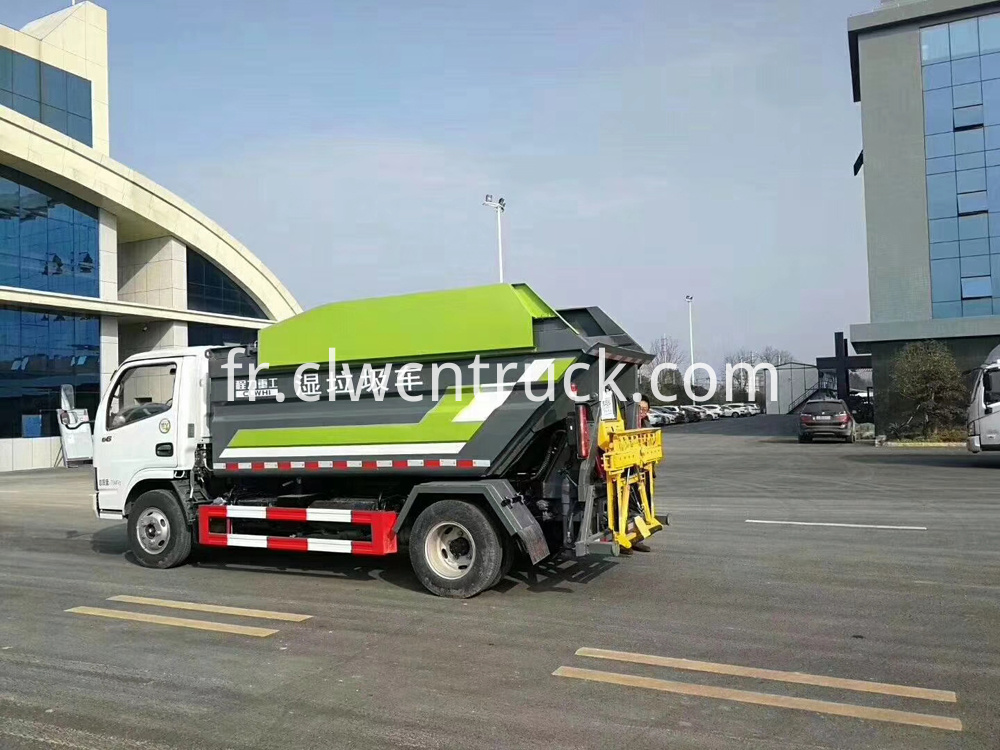 Rear Loader Compactor Truck 2