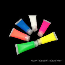 Multi-color non-toxinparty supplies face paint with brushes