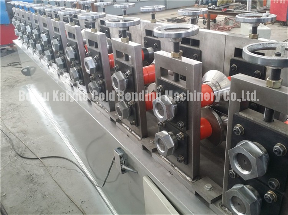 L Angle Light Keel Roll Forming Machine