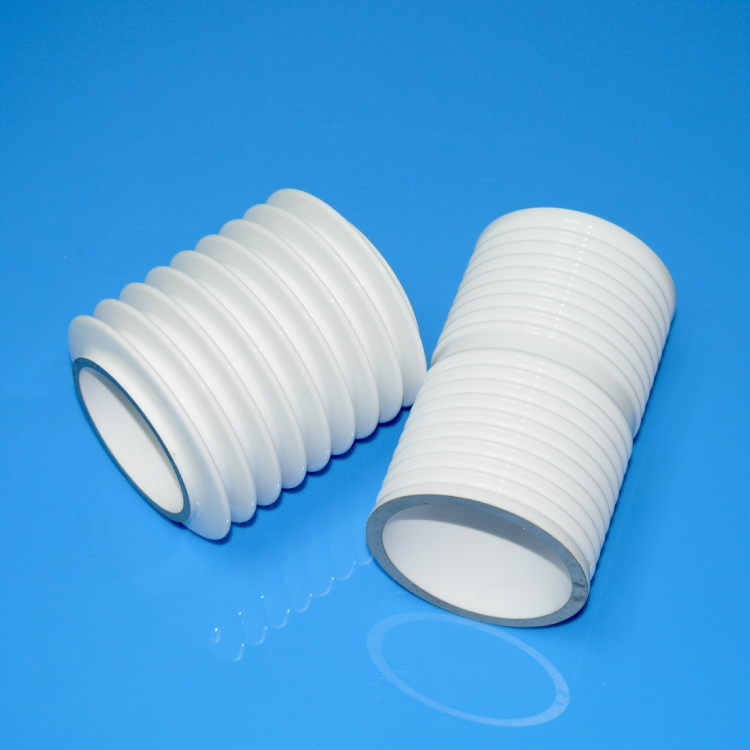 Ceramic insulator for oultra-high frequency electron tubes