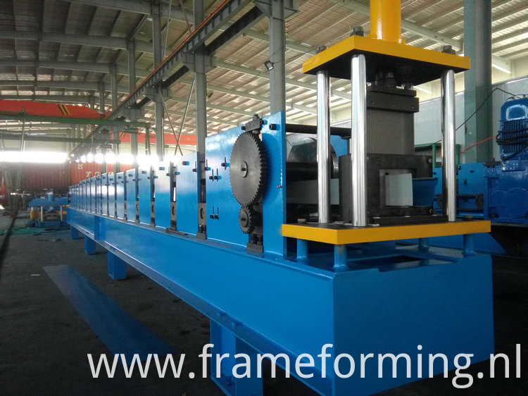 rain gutter cold forming machine )