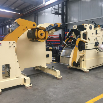 Coil straightener feeder for high‐tensile steel