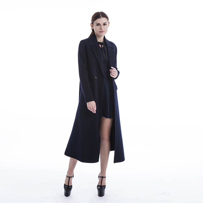 cashmere coat with a woolen collar