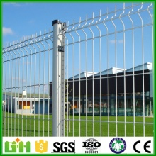 welded 3d curved fence with peach post factory