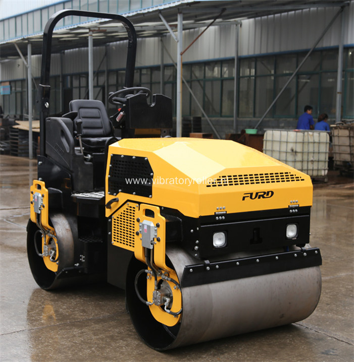 3 Ton Vibratory Asphalt Road Roller with Perkins