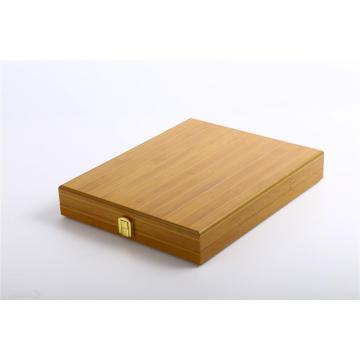 Engraving wooden box for medals