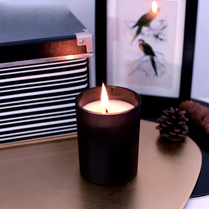 scented wax candles in black candle jar