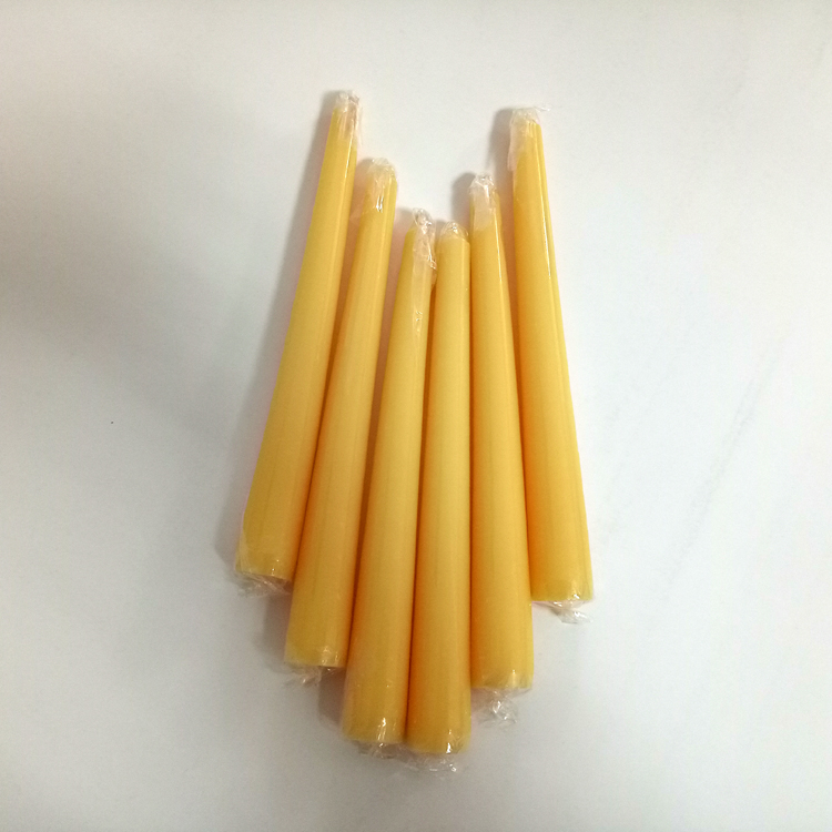 Beeswax Taper Candle 2