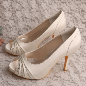 OEM Factory for Elegant Diamante Evening Shoes Ivory Satin Ladies Shoes for Special Occasions supply to Italy Wholesale
