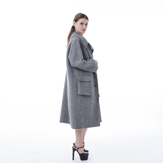 Fine pocket cashmere coat