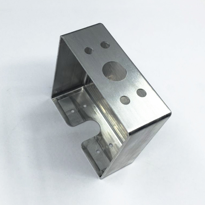 Machining Aluminum Battery Compartment for Flashlight