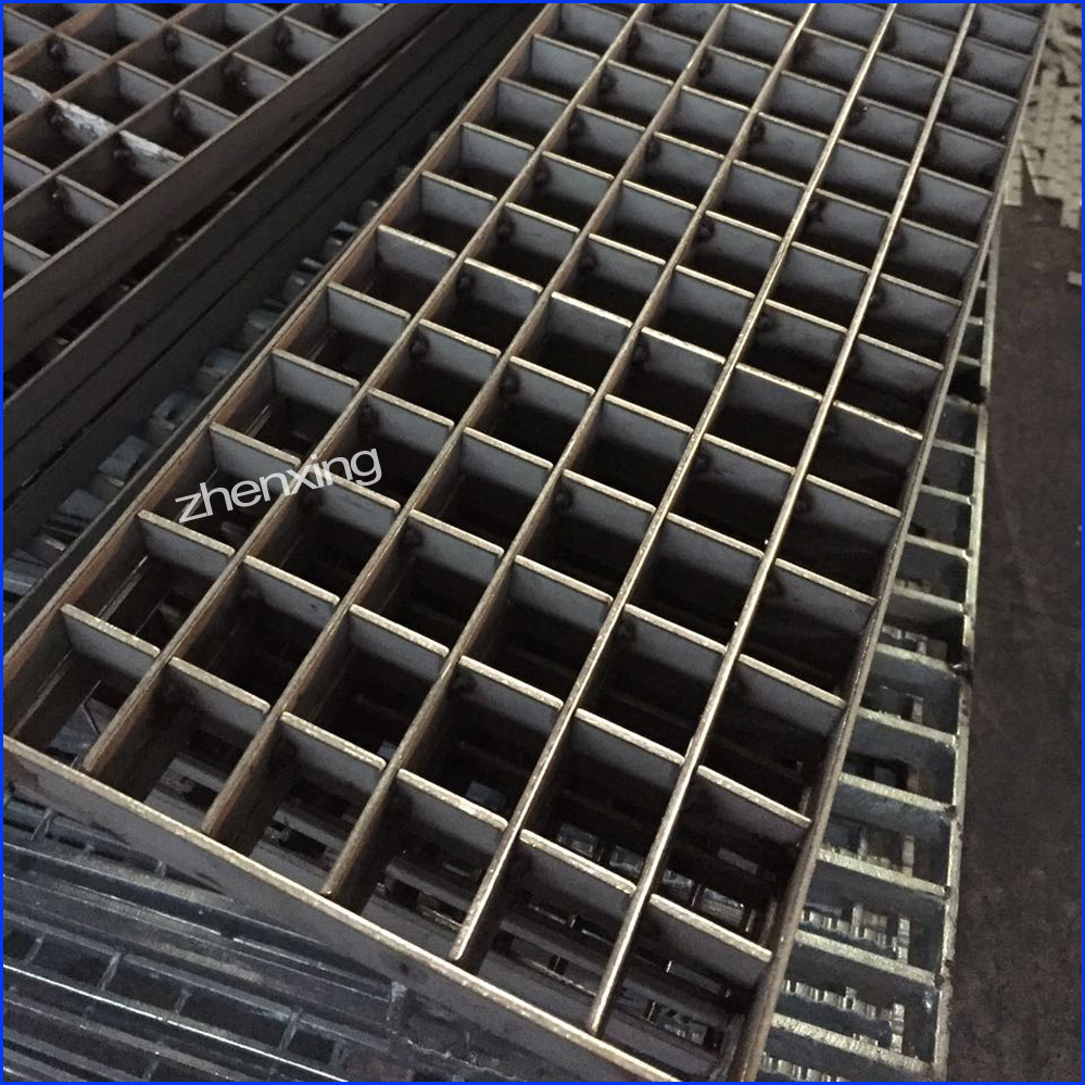 Press-locked Welded Grating