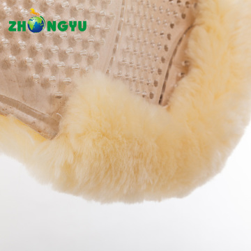 Full sheepskin underneath transparent gel half pad