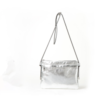 Metallic zipper stitching small square bag