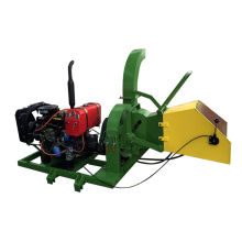 Forest use mobile wood chipper for branches