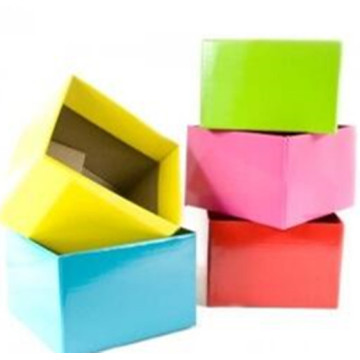 With Ribbon European Wedding Triangle Floral Paper Box