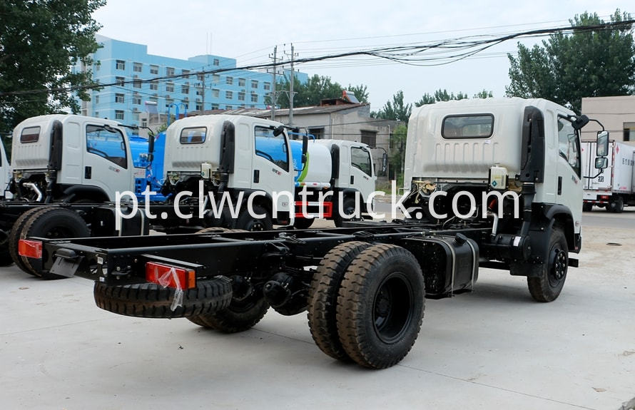 water carrying truck chassis 3