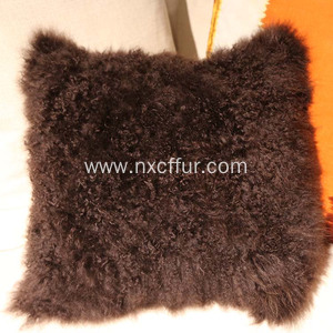 Good Quality for China Tibetan Lamb Fur Cushion,Custom Made Tibetan Lamb Fur Cushion,Tibetan Sheep Fur Back Cushion Supplier Hot sale lambswool lambskin pillow latest lambs wool cushion export to Gabon Exporter