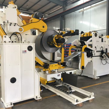 Decoiler straightener feeder for high tensile material