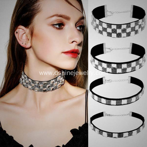 Retro Velvet Choker Square White Rhinestones Necklace Choker