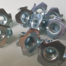 Machine type T Nuts