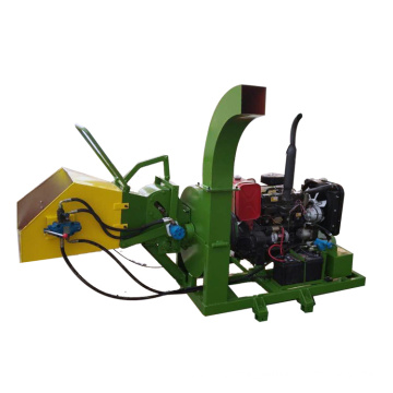Diesel engine wood chipper for leave branches