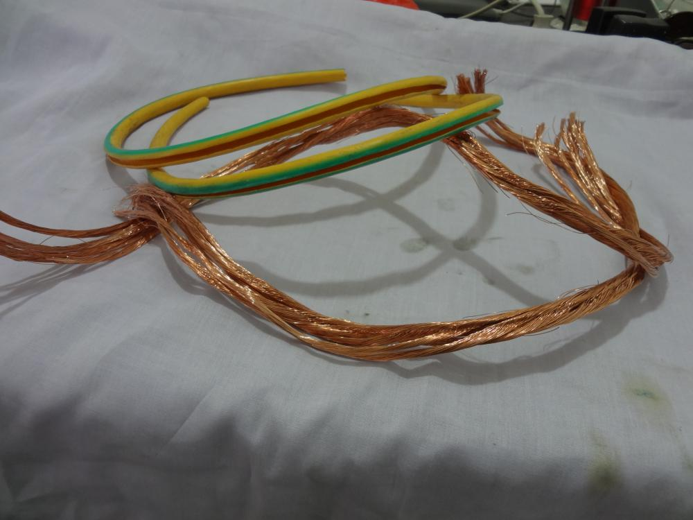 strips romex wire