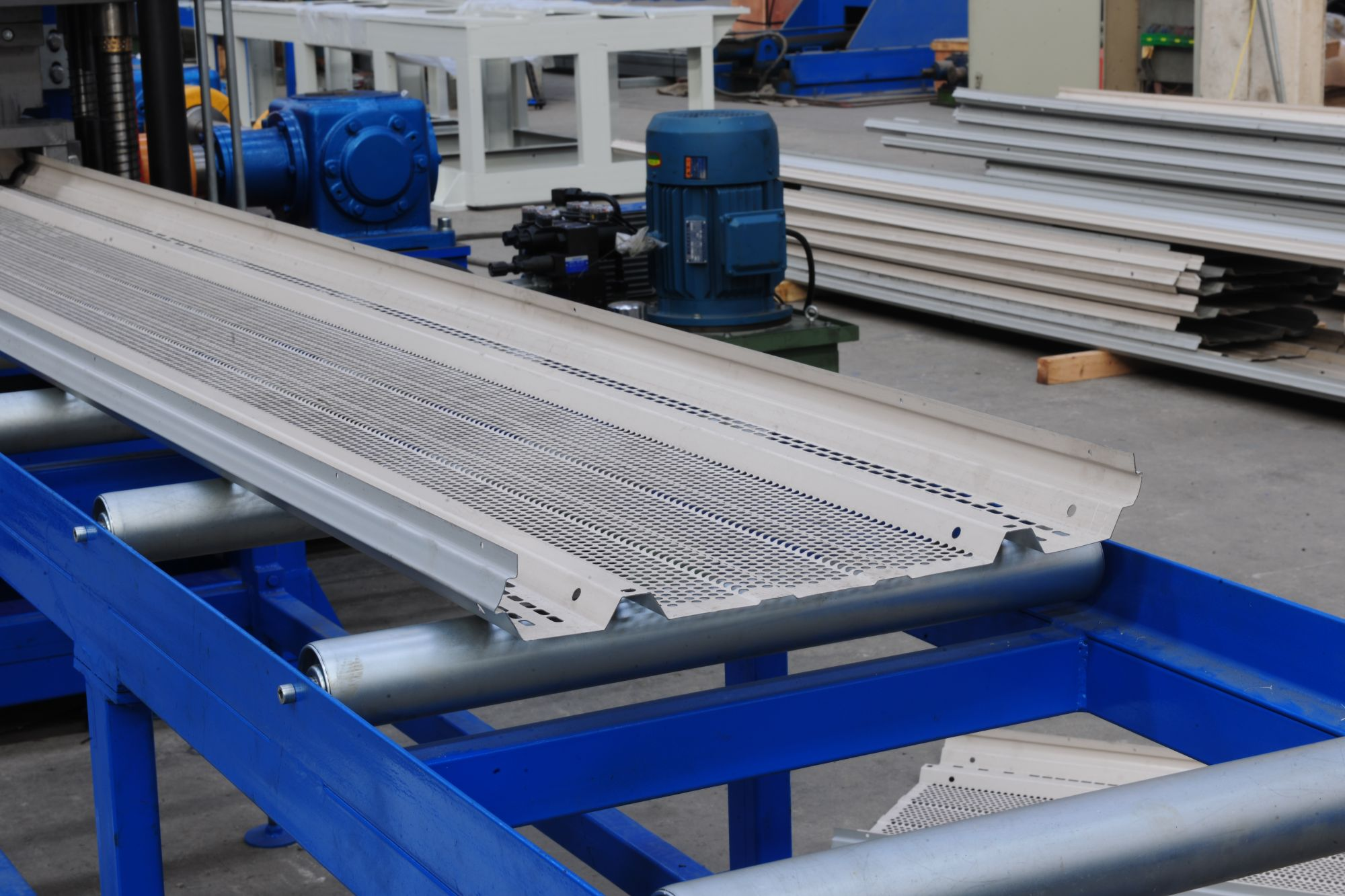 Soundproof Panel Roll Forming Machine