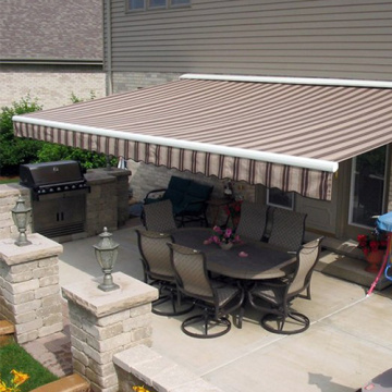 Outdoor retractable folding arm awning