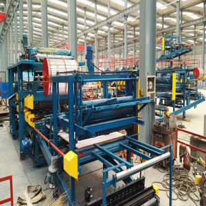 roof wall sandwich panel roll forming machine
