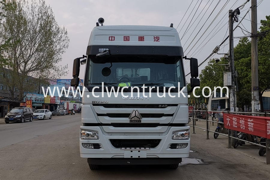 Bitumen And Gravel Synchronous Seal Truck 3