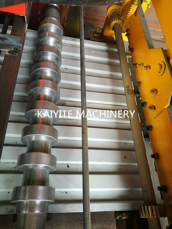 Roll Shutter Door Roll Forming Machine 223