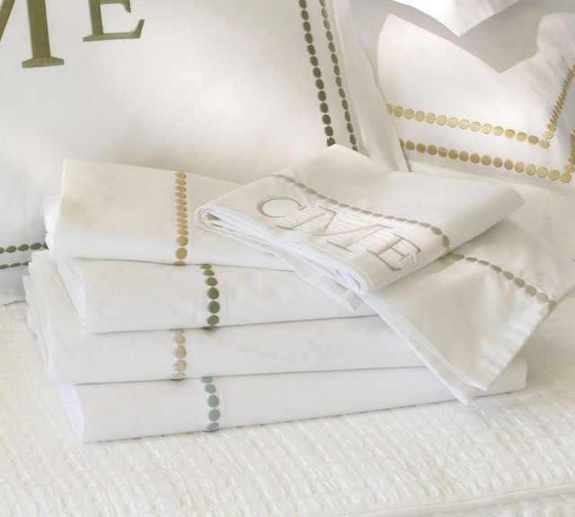 pearl embroidered pillowcase
