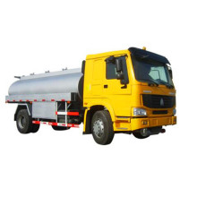 China for Refuel Truck Howo 4x2 Light Refuel Truck 3 Ton export to Croatia (local name: Hrvatska) Factories