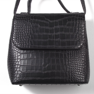 Vintage crocodile skin pattern shoulder bag