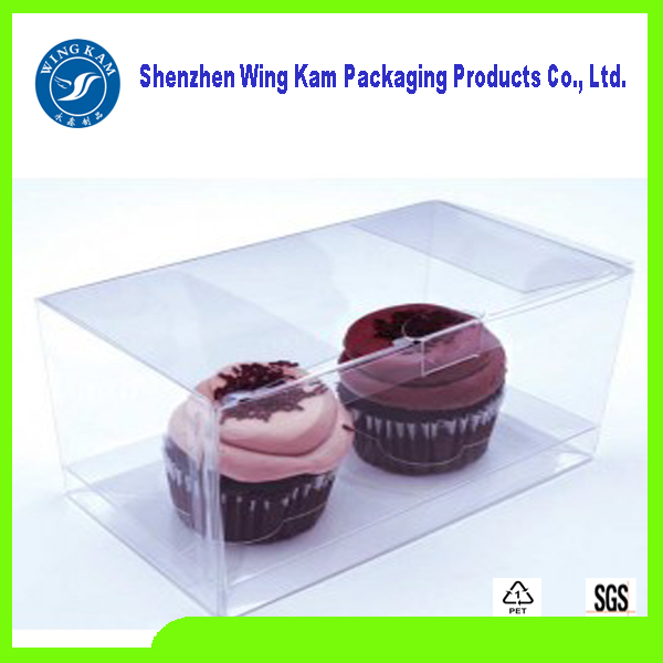 Muffin dessert hold by customized PET Food Grade Plastic Box Packaging