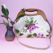 10 Years for Embroidery Bag Gift Chinese traditional hand-embroidered handbag female supply to United States Manufacturer