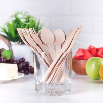 Disposable aspen wood tableware