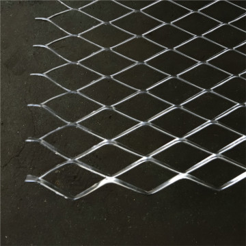 Expanded metal mesh in rolls and panels