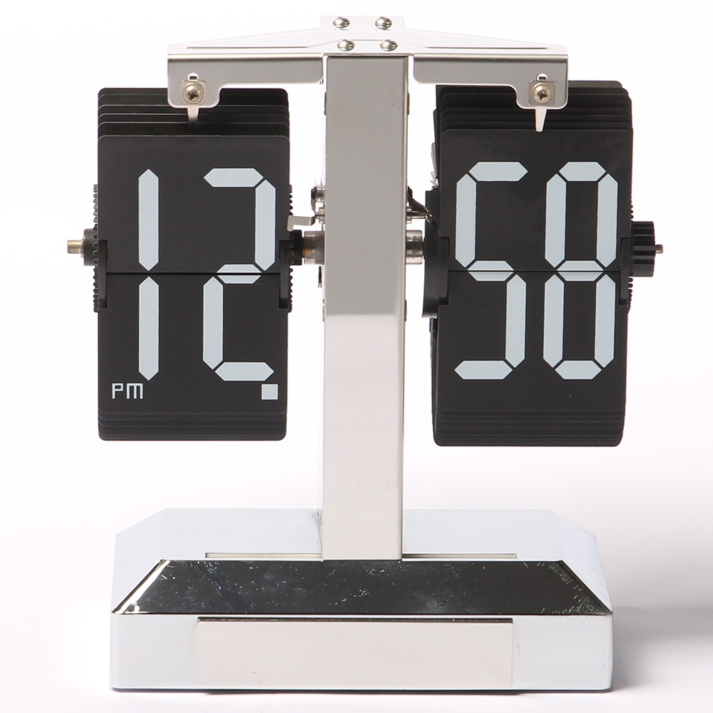 Classic Flip Clock With Rectangular Card
