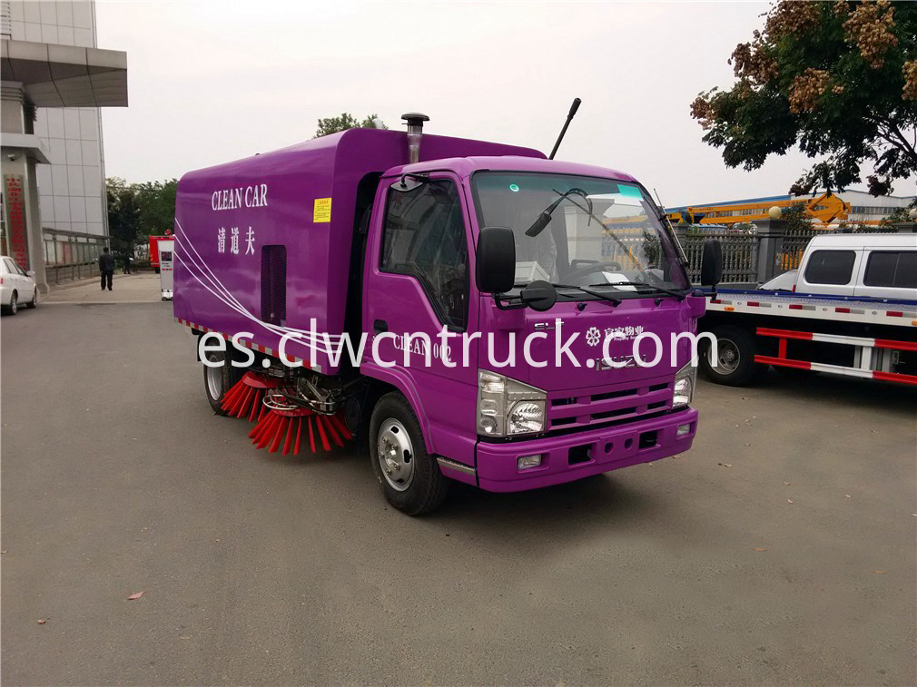 isuzu road sweeper truck 1