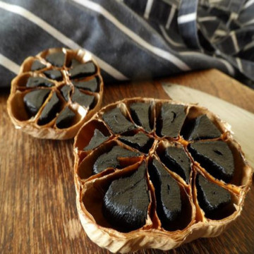 Control temperature of the fermented black garlic