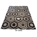 Hand-tufted Carpet with Geometric Design Rug